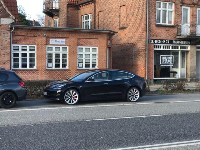 Dagens spot, Tesla Model 3