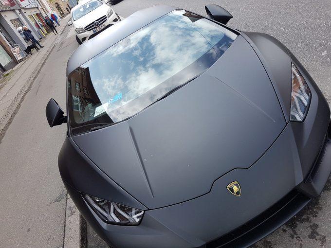 Dagens spot, Jeres spot af en Lamborghini med handicapskilt