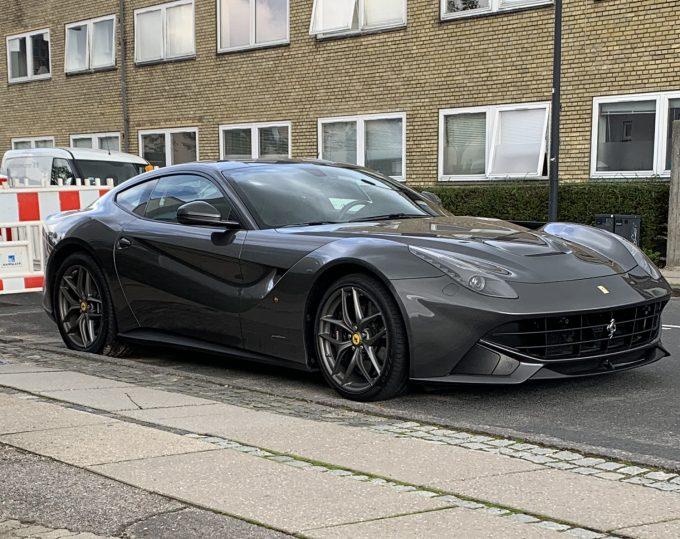 DFS Dagens spot er en Ferrari F12