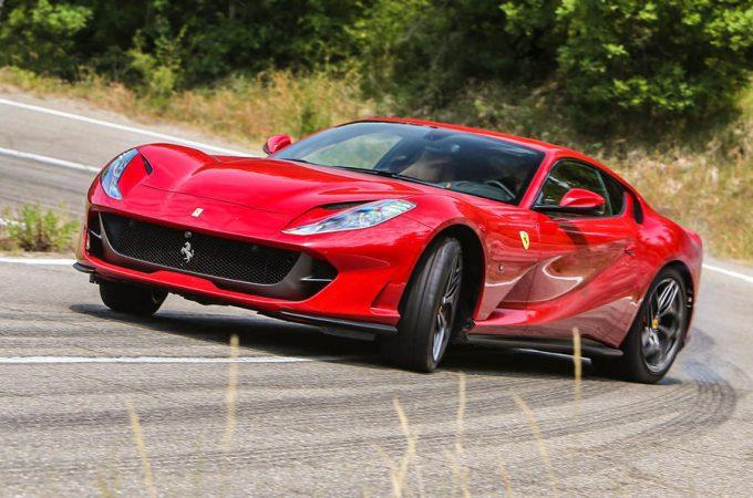 Top 10 bedste GT 2019 Ferrari 812 Superfast