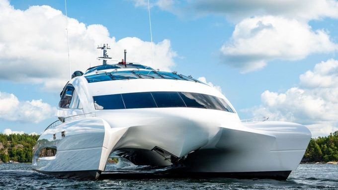 Porsche-designet superyacht Royal Falcon One