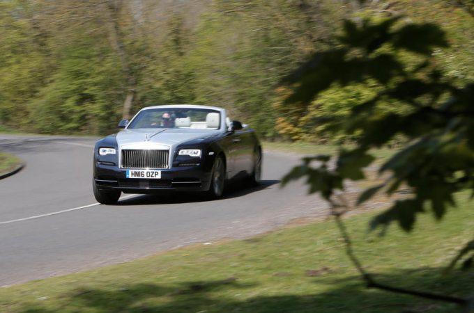 Top 10 - Lækreste Superluksus biler 2019 Rolls-Royce Dawn