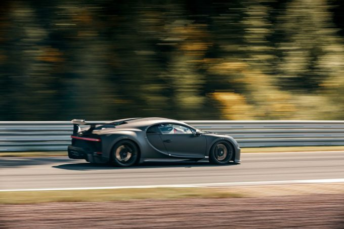 Bugatti Chiron Pur Sport tester på Bilster Berg track